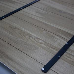 metallplankor trä bordsskiva