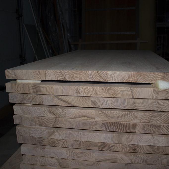 Sidodel av bords-toppar för bord från ekträ