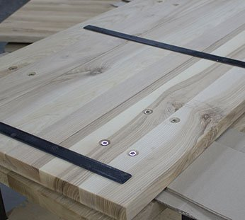 oak tabletop4 Produktion av bordsskivorna